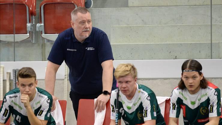 Cheftrainer Thomas Berger kann mit seinen Spielern aktuell sehr zufrieden sein, nur auf der Bank ruhen sich diese aus.