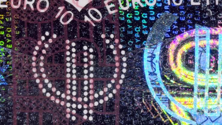 Griechische Behörden locken die Bürger weg vom Bargeld - mit 1000 Euro. (Symbolbild)