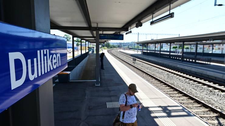 Züge halten seit 2015 nur stündlich in Dulliken. Gemäss der SBB soll das auch so bleiben.