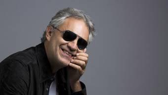 Ins Spital eingeliefert: Der italienische Tenor Andrea Bocelli hat sich bei einem Sturz vom Pferd eine Gehirnerschütterung zugezogen. (Archivbild)
