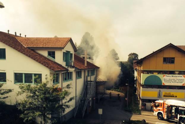 Viel Rauch beim Coop in Fahrwangen heute Nachmittag.