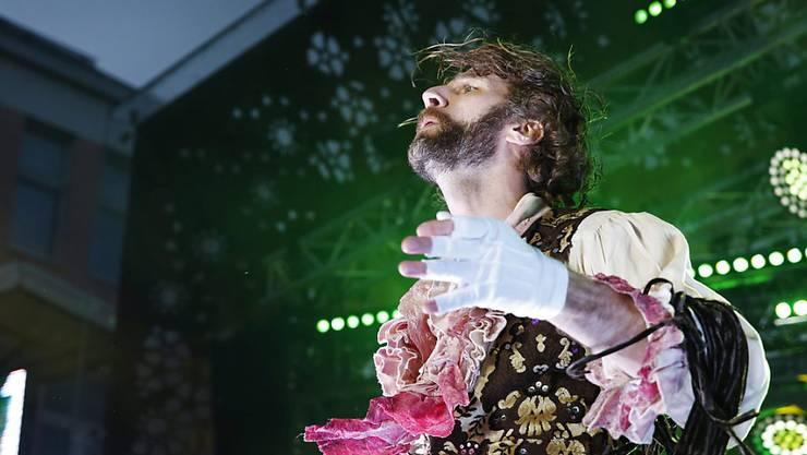 """Offiziell der beste Luftgitarrenspieler weltweit: Rob """"The Marquis"""" Messel aus den USA."""