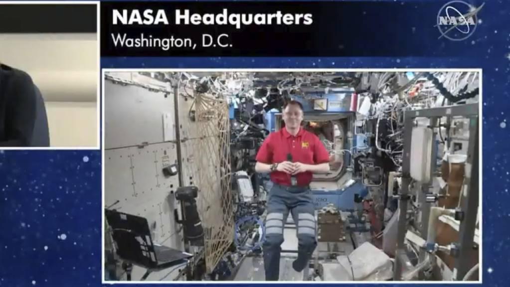 Nach Hause telefonieren: US-Schauspieler Brad Pitt lässt seine Leistung als Astronaut im Film «Ad Astra» von einem echten Raumfahrer bewerten.