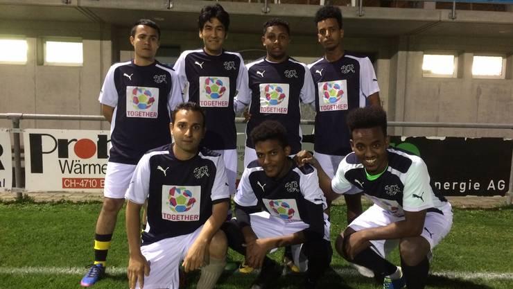 Ein Teil der Flüchtlinge, welche beim FC Klus/Balsthal Fussball spielen.
