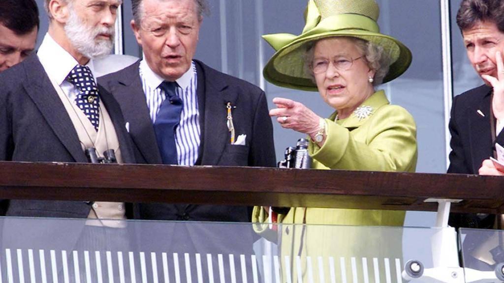 Prinz Michael of Kent (links), der Cousin der britischen Königin Elizabeth II., besucht Luzern anlässlich einer Ausstellung im historischen Museum.