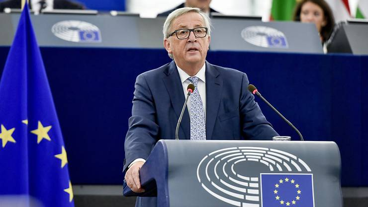 EU-Kommissionspräsident Jean-Claude Juncker hat sich am Mittwoch in Strassburg vor dem EU-Parlament optimistisch zur Zukunft Europas gezeigt. In seiner rede zur Lage der Union forderte er den Euro- und Schengen-Beitritt aller EU-Staaten.