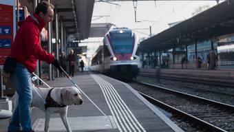 Schweizweit machen heute Organisationen auf die Anliegen von Sehbehinderten aufmerksam.