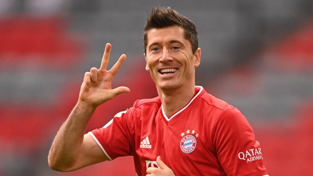 Unter den Top  3: Robert Lewandowski fordert bei der Wahl zum Weltfussballer die üblichen Verdächtigen Lionel Messi und Cristiano Ronaldo heraus.