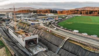 2018 gingen die Bauarbeiten beim Knoten «Neuhof» in Lenzburg los. Bezüglich neuem Bahnhof hingegen tat sich in diesen zehn Jahren nur wenig.