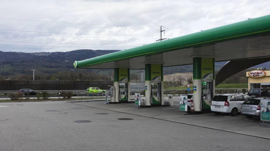 Produzenten- und Importpreise sinken im Februar – dank günstigeren Benzinpreise