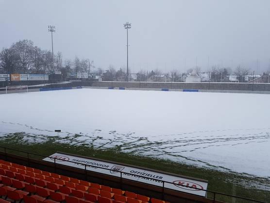 So sieht der Platz im Stadion aus - kann hier am Freitagabend gespielt werden