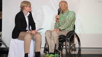 Heinz Frei wird für 2 Vizeweltmeistertitel (Strassenrennen, Zeitfahren) und Bronze (Team Relay) an den Para-cycling Weltmeisterschaften 2015 geehrt.