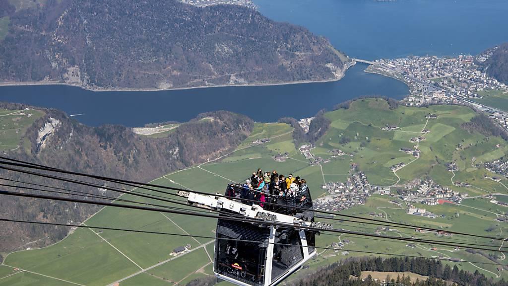 Schweizer Seilbahnen wie hier am Stanserhorn hoffen im Sommer auf viele einheimische Gäste. Denn aus Übersee werden in der Schweiz nach wie vor kaum Touristen erwartet.(Archivbild)