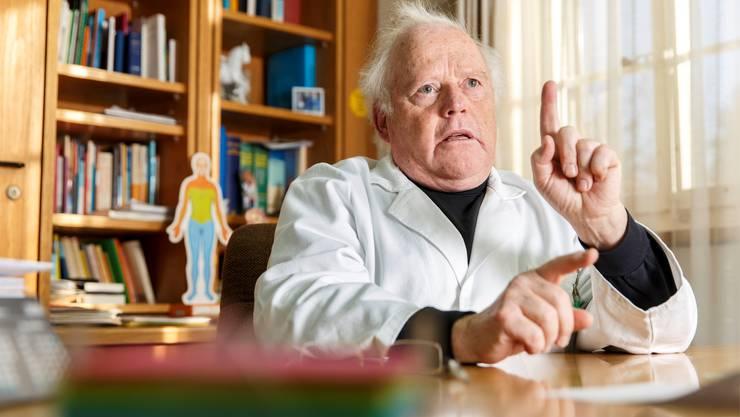 Josef Wyser praktizierte 29 Jahre lang in Nennigkofen. Manche Patienten betreute er über Jahrzehnte hinweg.