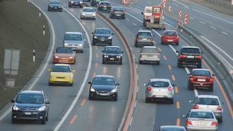 Der Kanton Aargau traf in der nun vom Bundesrat genehmigten Richtplanversion auch Vorgaben zu möglichen Strassen- und Schienenvorhaben des Bundes. Dies tat er etwa für den Ausbau der Autobahn A1 auf 6 Spuren im Abschnitt Wiggertal-Birrfeld.