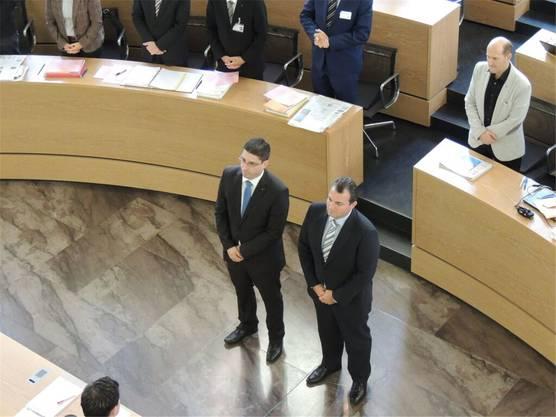 Das war Manuel Tinners erster Tag als Grossrat: Mit Stefan Huwyler (links) wird er am 21. Oktober 2015 vereidigt.