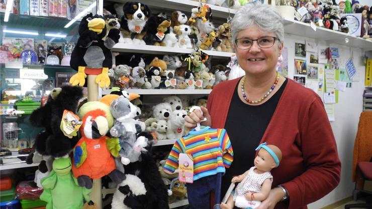 Heidi Fluor, Inhaberin des Spielwarenladens «Spiel & Hobby» in Dietikon, ist bereit für das Weihnachtsgeschäft.