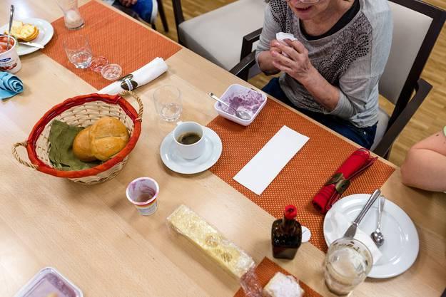 Das Frühstück ist der erste gemeinsame Fixpunkt im Alltag der Bewohner.