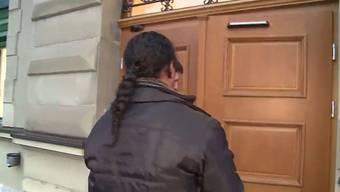 Der Prozess um der Kinderschänder, welcher die damals 8-Jährige Selina missbraucht hat, wird um ein Jahr verschoben. Beim Opfer herrscht Fassungslosigkeit.