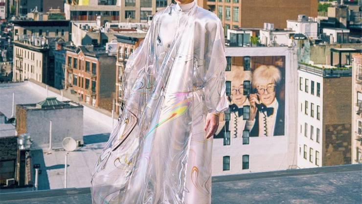 Johanna Jaskowska vor einer Woche in New York. Sie posiert mit einem Kleid, das nur virtuell existiert.