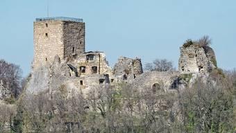 Auf der Ruine Landskron ist der Pulverturm (rechts) eine Gefahr für Besucher.