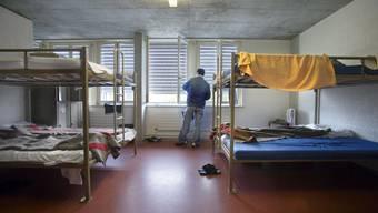 «Kaum jemand, der sich um die Flüchtlinge kümmert»: Flüchtling in einer Aslykunft. (Symbolbild)