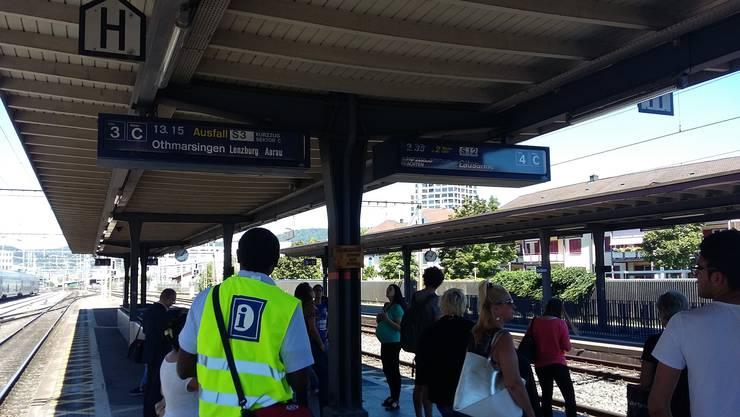 Verspätungen und Zugausfälle am Bahnhof Dietikon.