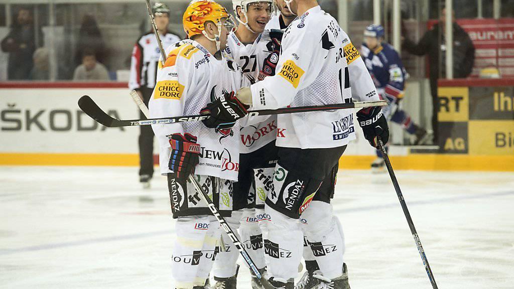 Fribourg Gottéron freut sich in Biel über den ersten Sieg seit drei Meisterschaftsspielen