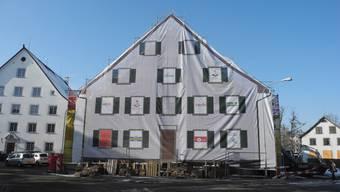 """Der """"Alte Bären"""" wird zurzeit zu einem Mehrfamilienhaus umgebaut."""