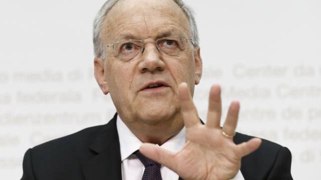 Schneider-Ammann spricht über Situation nach SNB-Entscheid (Archiv)