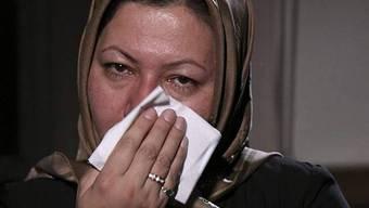 Aschtiani weint während einem Interview mit Press TV