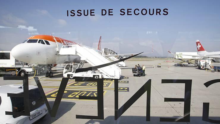 Der Flughafen Genf verzeichnete 2018 mehr Passagiere, die Zahl der Flüge reduzierte sich allerdings. (Archivbild)