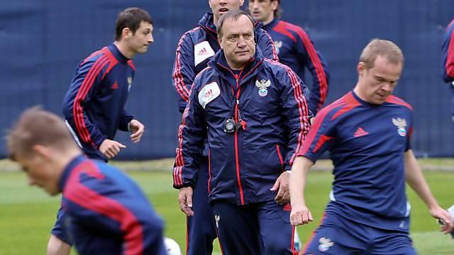 Dick Advocaat will mit Russland in die nächste Runde einziehen