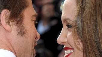 Und sie lieben sich doch: Angelina Jolie (l) und Brad Pitt (Archiv)