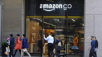 Amazon plant einem Zeitungsbericht zufolge Detailhandelsläden für günstige Produkte. (Symbolbild)