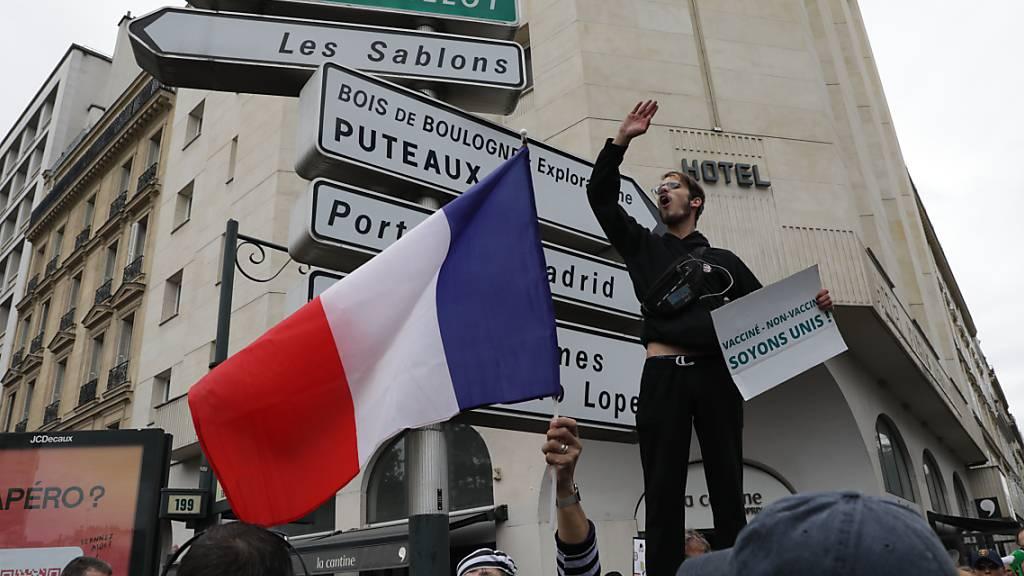 Wieder Zehntausende in Frankreich gegen Corona-Impfpass bei Protesten