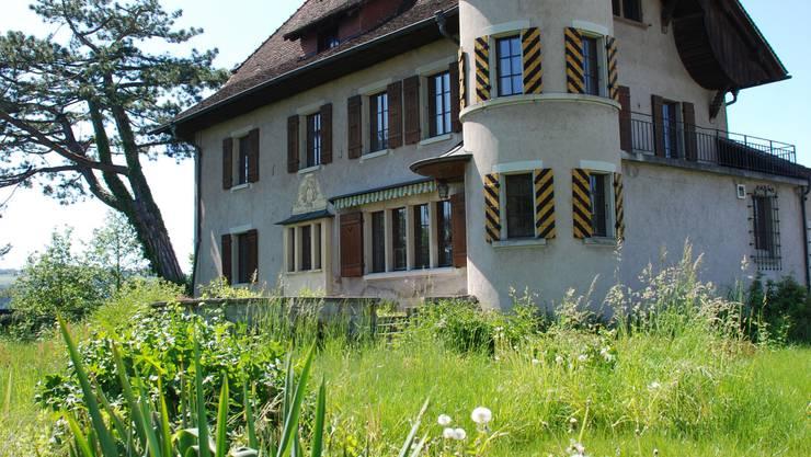 Das Schlössli Neuhaus in Seengen wird am  2. Juli versteigert.