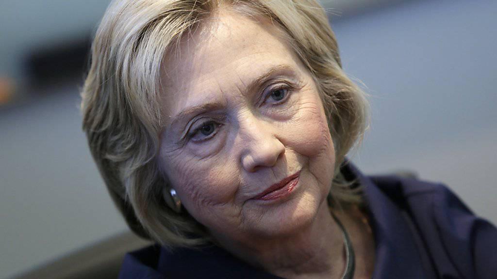 """Bisher hat sie es bedauert, jetzt sagt sie """"Sorry"""": Die frühere Aussenministerin Hillary Clinton ist seit Monaten unter Druck, weil sie für dienstliche E-Mails konsequent eine private Adresse verwendet hat. (Archivbild)"""