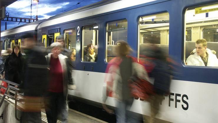 Der Himmel für die Bahnfreunde klart sich auf Zwischen Laufenburg und Stein kommt der Halbstundentakt.