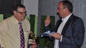 Baden Regio-Präsident Markus Dieth verabschiedet Fritz Fischer nach 44 Jahren als Geschäftsleiter des Regionalplanungsverbandes.