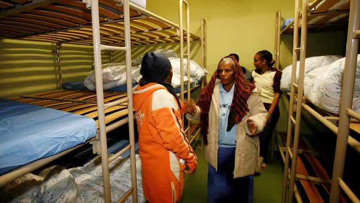 Die Unterbringung von Asylsuchenden – hier 2012 in der Prattler Lachmatt – ist angesichts des Platzmangels ein Thema in einigen Gemeinden. (Archiv)
