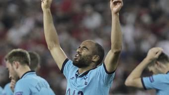 Tottenhams Brasilianer Lucas dankt dem Himmel sein 2:0