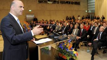 Bundesrat Alain Berset hält eine Ansprache