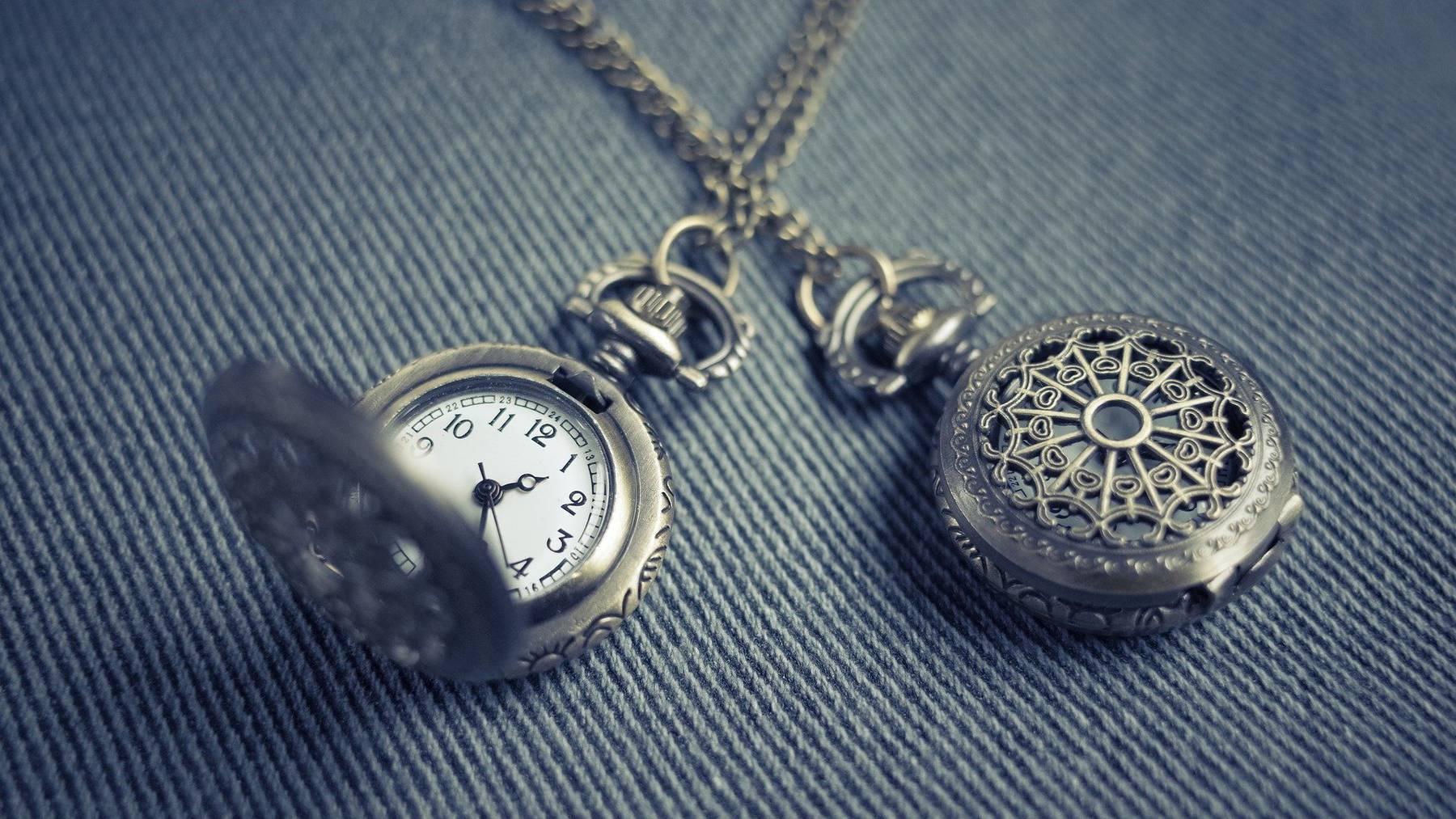 Zwei Taschenuhren