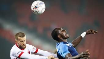 Raphael Dwamena (FC Zürich) gegen Ermir Lenjani (FC Sion)