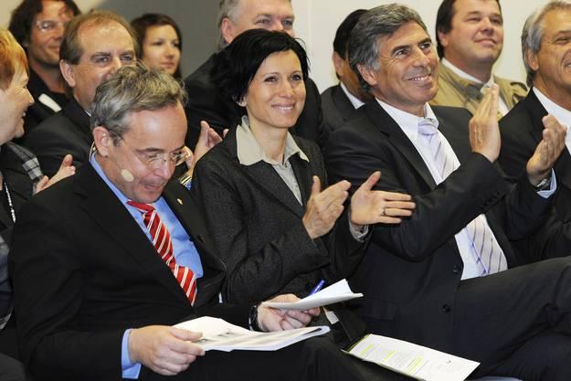 Peter Malama (l.), Christoph Eymann nahmen die Nationalratspräsidentin Pascale Bruderer in die Mitte.