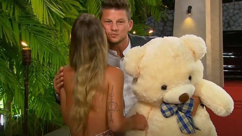 Adela erteilt Thurgauer Teddy eine Abfuhr