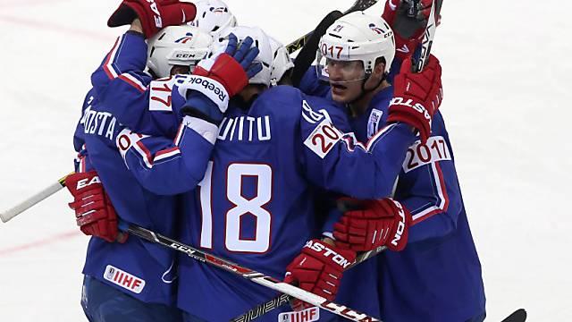 Die Franzosen feiern Sieg gegen Favorit Kanada