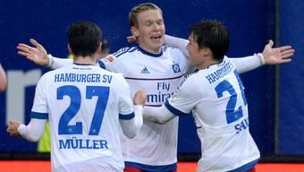 Artjom Rudnevs und der HSV jubeln über den Sieg gegen Mönchengladbach