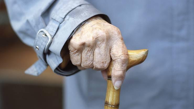 Auch in diesem Jahr erhalten ärmere Stadtzürcher Rentnerinnen und Rentner einen Zustupf. (Symbolbild)